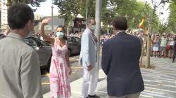 Indignación por lo que se ve en esta imagen de los reyes Felipe y Letizia en Benidorm: salta a la