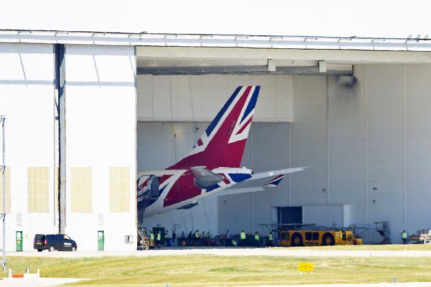 Σε καραντίνα στη Βρετανία όσοι ταξιδεύουν στη χώρα από