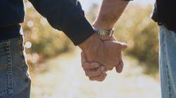 Insultati e picchiati per un bacio: coppia gay aggredita da branco alle Cinque