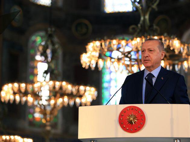 Ερντογάν για Αγία Σοφία: «Αμεση επίθεση στην κυριαρχία