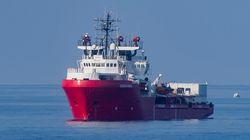 Un bateau de SOS Méditerranée avec 180 réfugiés à bord demande un secours