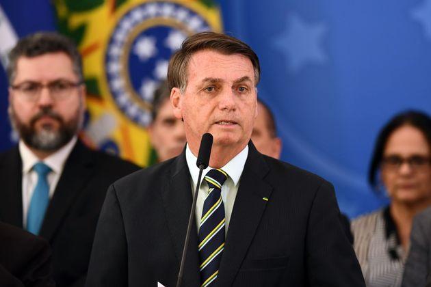 Militares criticam Ernesto Araújo desde o início da gestão por alinhamento integral...