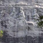 Le monument de Stone Mountain est l'équivalent sudiste du mont