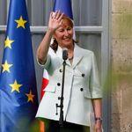 Royal dit avoir été appelée par un proche de Macron pour le