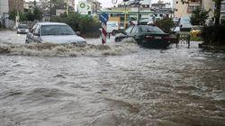 Καιρός: Βροχή στη Θεσσαλονίκη, χαλάζι στη Χαλκιδική - Προβλήματα σε Λάρισα,