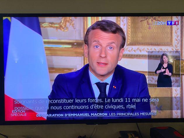 Emmanuel Macron -ici lors d'une allocution le 13 avril- prendra la parole à la télévision...