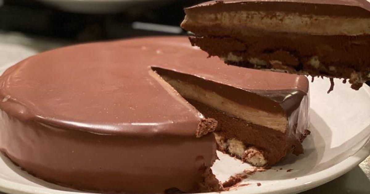 Cómo preparar una tarta de cuatro chocolates