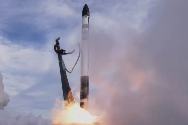 キヤノンのデジカメ搭載の小型衛星など軌道投入できず。Rocket