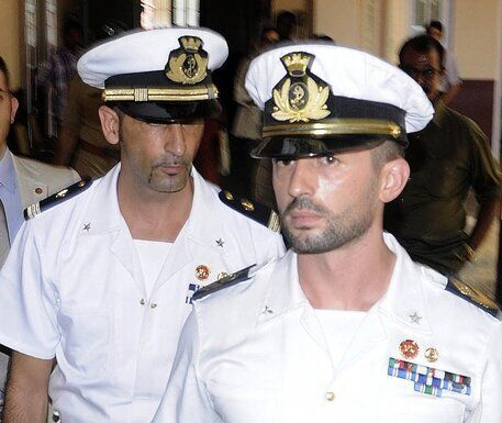 Sui Marò decisione favorevole all'Italia, con qualche