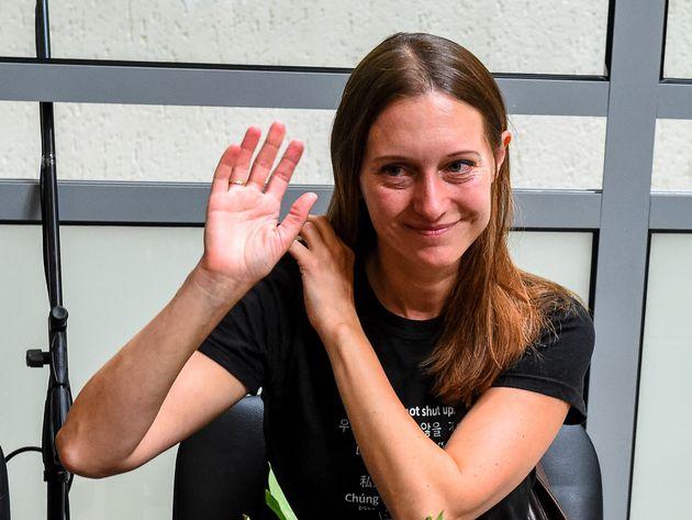 Πρόστιμο αντί φυλάκισης σε Ρωσίδα δημοσιογράφο που βρέθηκε ένοχη για «δικαιολόγηση»