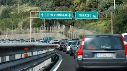 In Liguria autostrade in tilt. De Micheli: