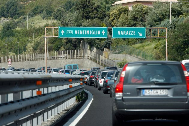 Liguria, autostrade in tilt. De Micheli: