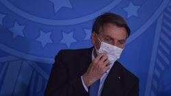 Na contramão da ciência, Bolsonaro declara guerra a uso de máscara contra covid-19 no