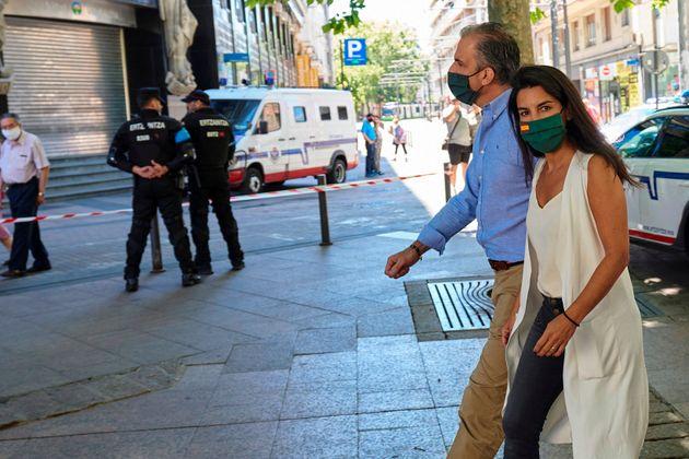 El secretario general de VOX, Javier Ortega Smith y la presidenta del VOX en Madrid, Rocio Monasterio...