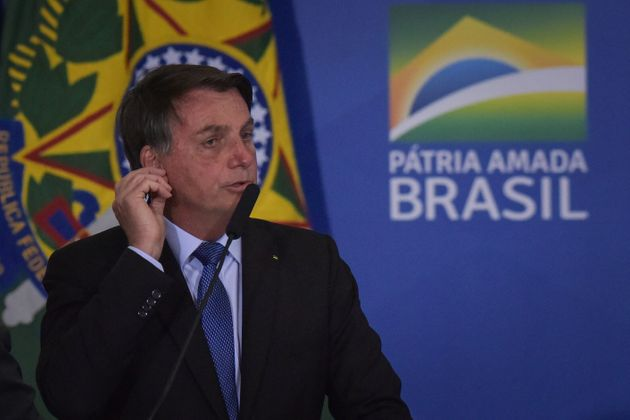 Bolsonaro ha sintomi del Covid, sottoposto a test. In Brasil
