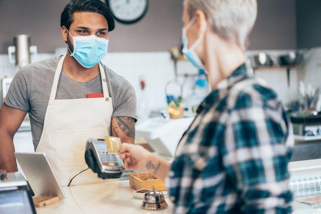 L'Institut national de santé publique du Québec continue toutefois de recommander le paiement...