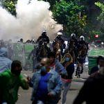 Σε πολιορκία η Βουλή στη Σερβία - Άγρια επεισόδια σε διαδηλώσεις κατά των μέτρων για την