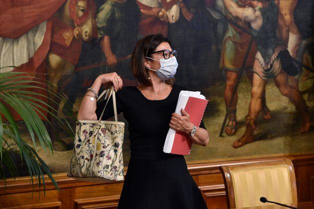 """De Micheli aspetta Conte: """"Testo del decreto semplificazioni"""