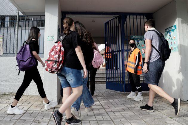 Δεύτερη σύλληψη δασκάλου για αποπλάνηση