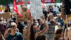Margaret Atwood, J.K Rowling et une centaine d'écrivains alertent sur la mise en danger du débat