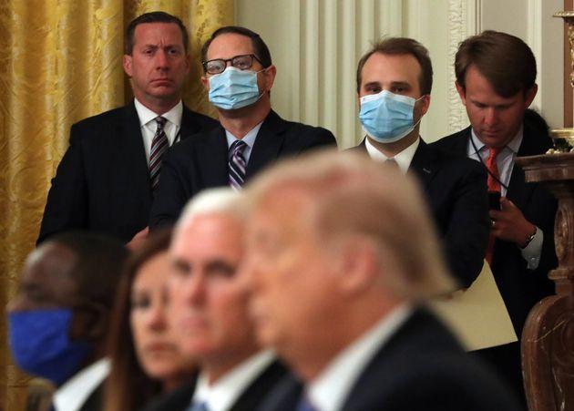 Donald Trump y su vicepresidente, Mike Pence, en un evento sin llevar mascarilla este 7 de