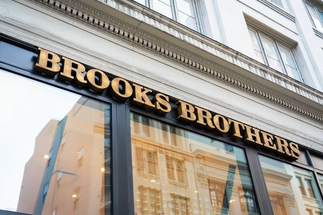Brooks Brothers dichiara bancarotta.