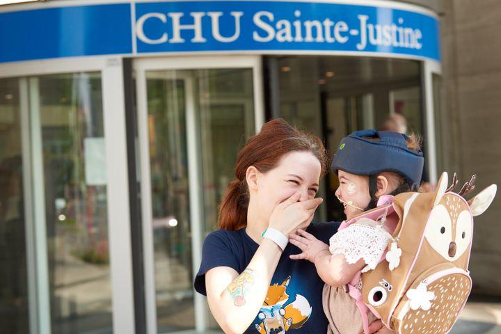 La petite Charlie est hospitalisée sans interruption depuis mai 2018 en raison d'une malformation cardiaque.