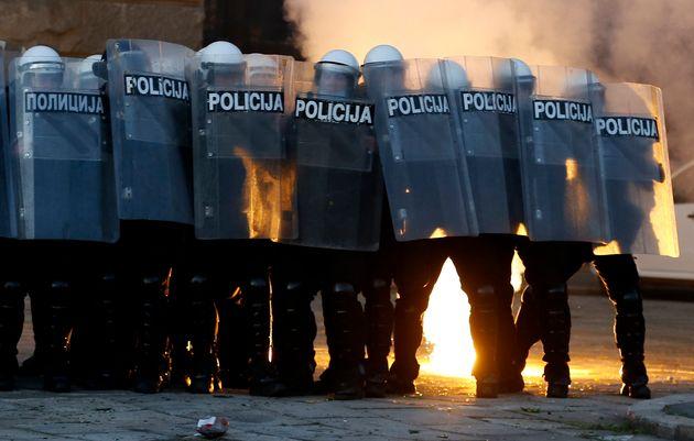 Σερβία: Νέα επεισόδια σε Βελιγράδι και Νόβισαντ λόγω