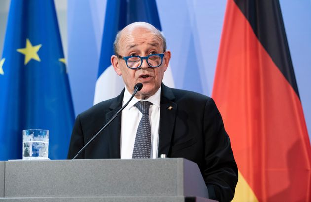 Le ministre des Affaires étrangères Jean-Yves Le Drian devant la presse à Berlin,...