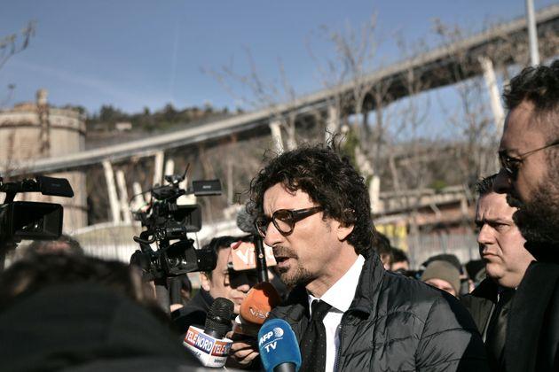Le basi per il ponte ai Benetton le ha messe Toninelli