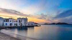 Travel & Leisure: Η Πάρος και η Μήλος στην πρώτη τριάδα των καλύτερων νησιών του
