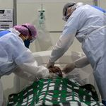 Mortes por covid-19 se aproximam de 70 mil; contaminados ultrapassam 1,7