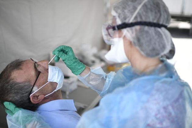 Un centre de dépistage du coronavirus à Clichy-sous-Bois, le 22 mai
