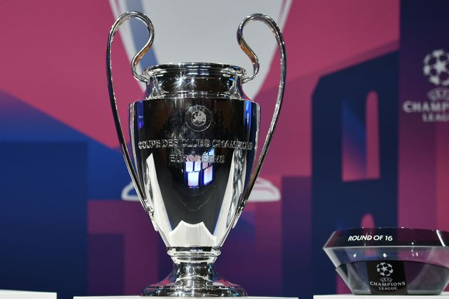 Le trophée de la Ligue des champions exposé à Nyon en Suisse, le 16 décembre