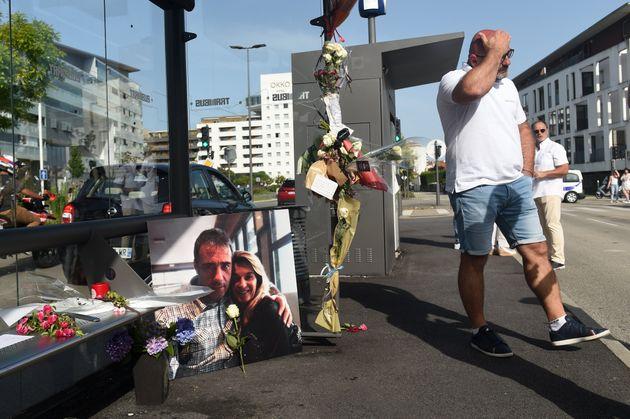 Philippe Monguillot (ici sur une photo de lui avec son épouse déposée lors d'une marche blanche le 8...