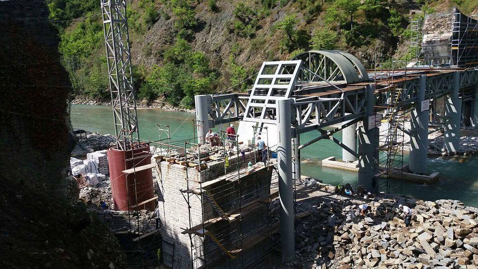 H Γέφυρα της Πλάκας «στεφανώνει» ξανά τον Άραχθο: Φωτογραφική αναδρομή στην