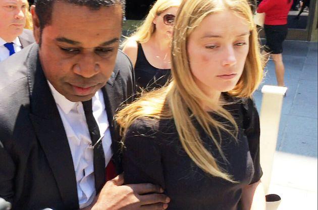 A atriz Amber Heard deixa o Tribunal Superior de Los Angeles em Los Angeles, Califórnia, EUA,...