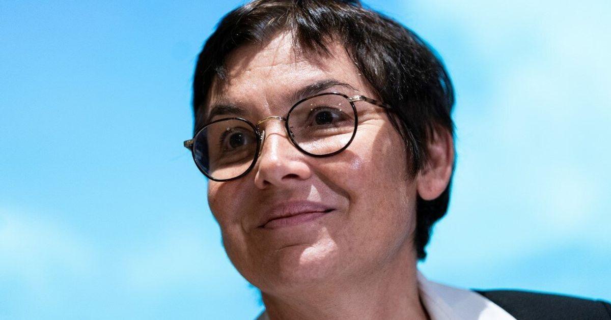 """En quoi consiste le nouveau """"ministère de la Mer"""" confié à Annick Girardin"""