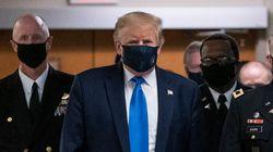 Pour la 1ère fois depuis le début de l'épidémie, Trump porte enfin un masque en