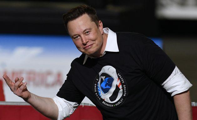 Elon Musk supera Warren Buffett nella classifica degli uomini più ricchi del