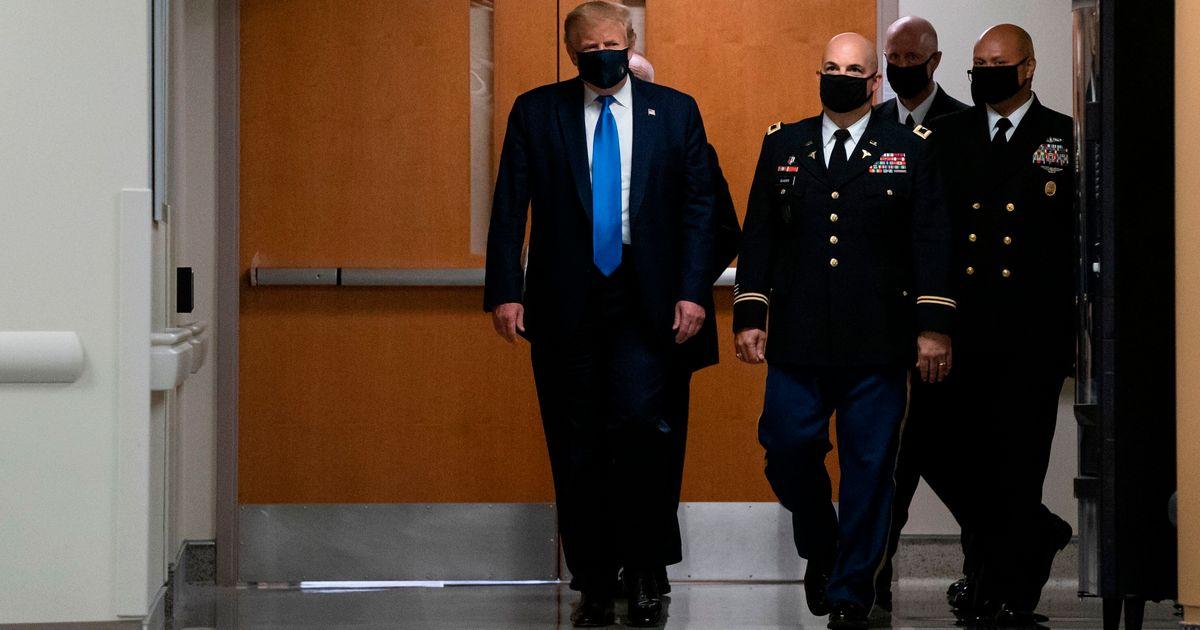 """Trump assure n'avoir """"jamais été contre le masque"""" sauf que..."""