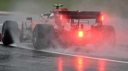 Scontro tra Ferrari: Leclerc tenta il sorprasso di Vettel ma sbaglia. Costretti al