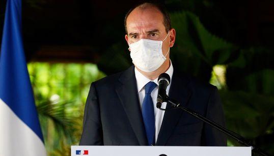 """""""Le développement du port du masque est à l'étude"""", affirme Castex en"""