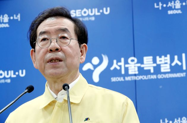 박원순 당시 서울시장이 5월 28일 오전 중구 서울시청 브리핑룸에서 코로나19 서울시 현황과 건설일자리 혁신 방안을 발표하고