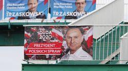 Le président conservateur et homophobe Andrzej Duda réélu en