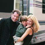L'amore a prima vista, la perdita del figlio, il tumore: i 30 anni insieme di John e