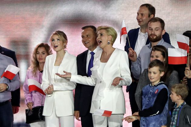 Πολωνία: Δεύτερη θητεία κερδίζει ο συντηρητικός