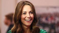 Modi gentili, uno stile posato. Kate è la più amata dagli inglesi. La Regina è