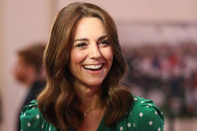Così Kate ha vinto il titolo di più popolare tra gli inglesi, senza far