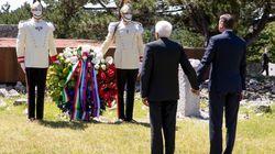 Incontro storico fra Mattarella e Pahor. Insieme alla foiba di Basovizza, mano nella